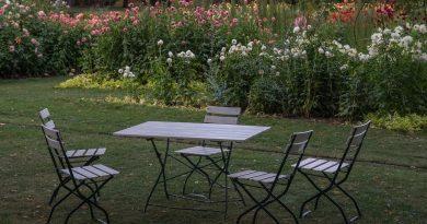 Garden Table Garden Chair Garden  - emkanicepic / Pixabay