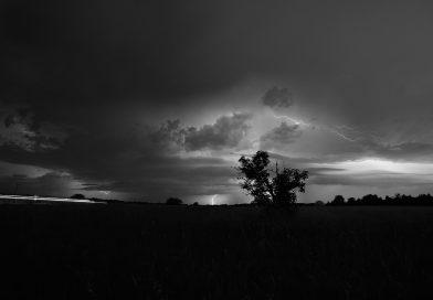 Thunderstorm Lightning Field  - Azure_Artwork / Pixabay